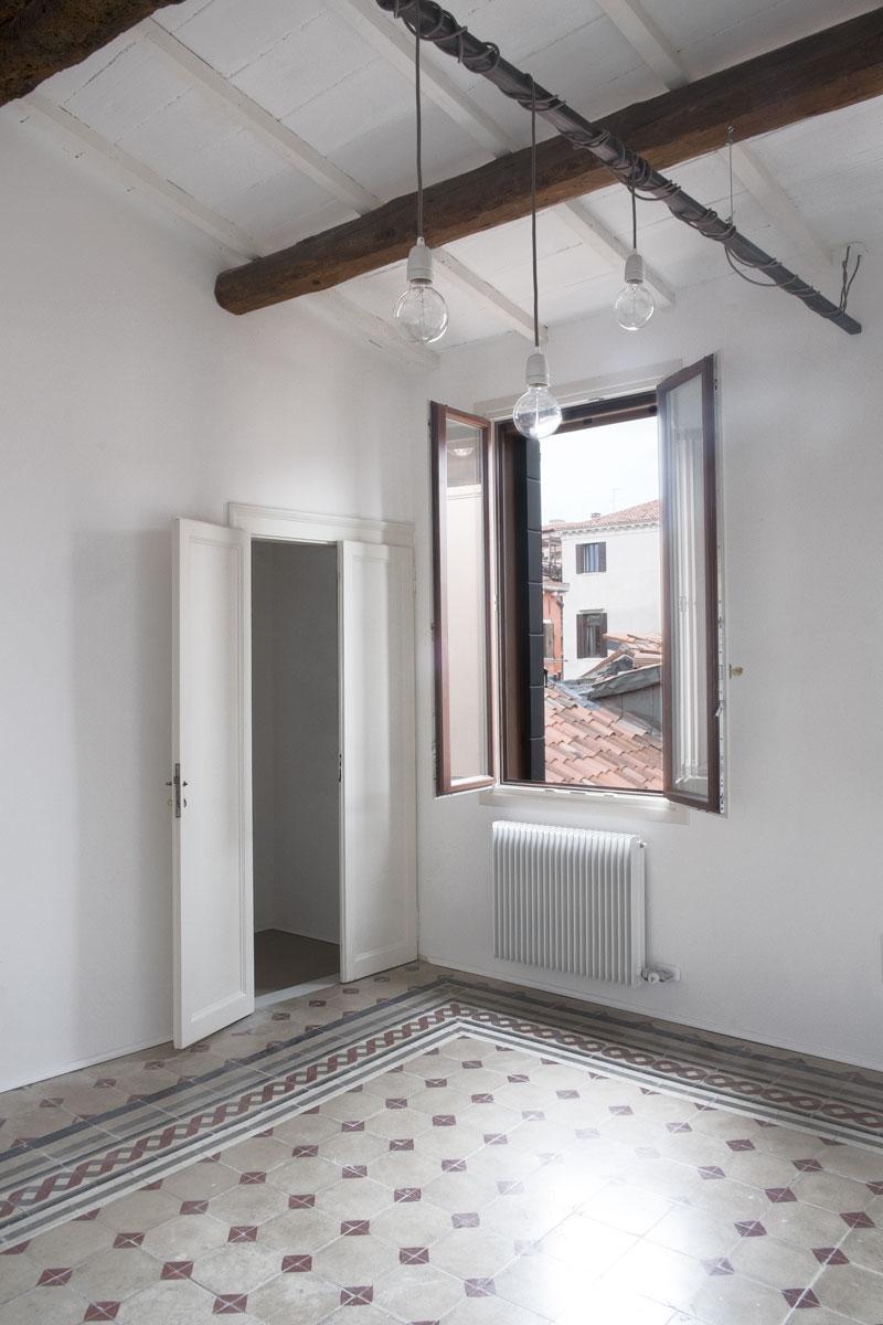 Tre-Appartamenti-a-Rialto-03